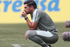 O técnico Abel Ferreira após ver seu time levar o 3º gol.