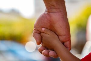 Prefeitura pretende implementar programa de acolhimento para crianças e adolescentes que vivem abrigos