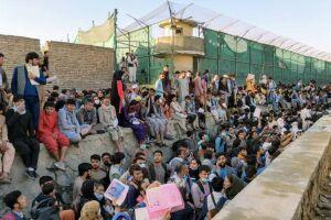 A saída dos civis estrangeiros foi anunciada por um representante do governo norte-americano