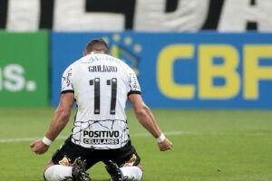 Giuliano fez o único gol do Corinthians, que empatou contra o América-MG