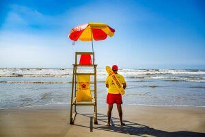 Para disputar vagas de guarda-vidas em Mongaguá. basta comparecer ao Posto de Guarda-Vidas na praia Itaóca