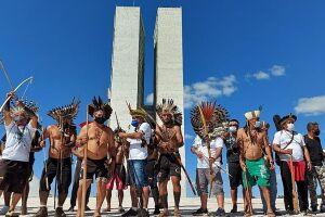 Indígenas protestam contra o Marco Temporal proposto pela PL