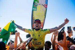 Gabriel Medina se tornou tricampeão mundial de surfe nesta terça-feira (14)
