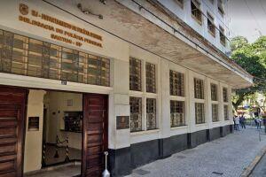 Secretário de educação de Guarujá foi levado para prestar depoimento na sede da Polícia Federal de Santos