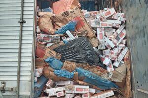 Os cigarros apreendidos estão avaliados em aproximadamente R$ 2,25 milhões
