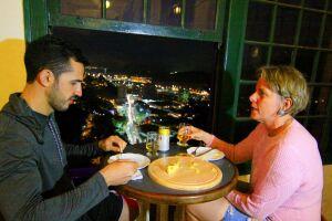 O público pode curtir o Happy Hour no Cassino do Monte Serrat, todas as quintas, das 17h às 22h