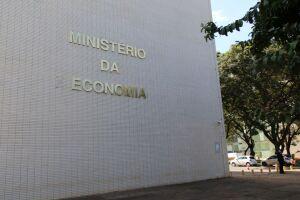 O dia 11 de outubro antecede o feriado do Dia de Nossa Senhora Aparecida, padroeira do Brasil, celebrado no dia 12, próxima terça-feira