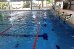 A piscina olímpica do Complexo Esportivo Rebouças reabre para treinos de natação exclusivamente para atletas