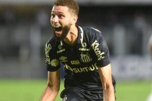 Wagner comemora seu gol pelo Santos.