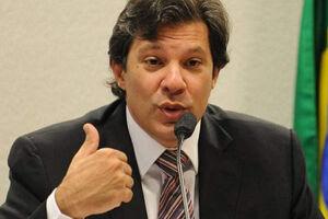 Fernando Haddad vai multar e cassar alvará de posto que não usar água de reuso
