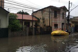 Mais de 5 mil moradias são afetadas pela chuva