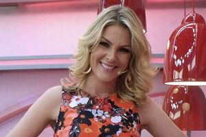 Abalada, a modelo e apresentadora Ana Hickmann, 35, disse que tinha certeza que o fã Rodrigo Augusto de Pádua iria matá-la no sábado (21)