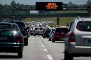 Segundo a Ecovias, mais de 160 mil veículos são esperados no feriado de Corpus Christi