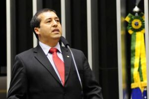 Ronaldo Nogueira disse que todas as medidas que envolvam os trabalhadores passarão por discussão prévia com a sociedade