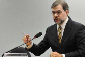 Toffoli autoriza filho de Lula a ter acesso a documentos da Zelotes