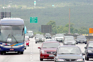 Mais de 2 milhões de veículos deixarão a região metropolitana de São Paulo durante o feriado prolongado de Corpus Christi