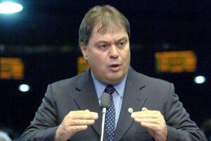 Gim Argello, réu da Lava Jato, chama 15 senadores e deputados para sua defesa