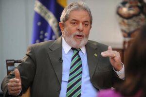 Luiz Inácio Lula da Silva reconheceu a possibilidade de ser candidato à sucessão presidencial em 2018