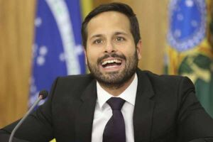 O novo ministro da Cultura, Marcelo Calero, confirmou por rede social que já pode pensar em um outro nome para comandar a Funarte (Fundação Nacional das Artes)