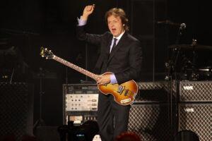 O baixista e cantor do grupo britânico disse que formou a banda Wings quando se cansou da bebida, um ano depois