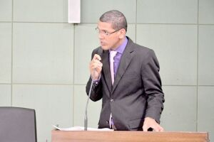 """""""Solidariedade é a base de uma sociedade mais justa e igualitária"""", disse o vereador Ricardo Queixão na Câmara"""