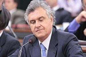 O líder do DEM no Senado, Ronaldo Caiado (GO), defendeu nesta segunda-feira (23) o afastamento do ministro do Planejamento, Romero Jucá