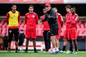 Bauza usará a pausa da Libertadores para treinar o time e ganhar pontos no Brasileiro