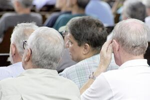 Idade para aposentadoria será de 65 anos e Governo vai definir regra de transição para quem está trabalhando