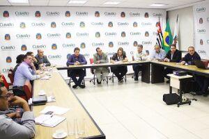 Encontro contou com a participação do Conselho Municipal de Segurança, OAB, lideranças comunitárias e representantes das concessionárias de ferrovias