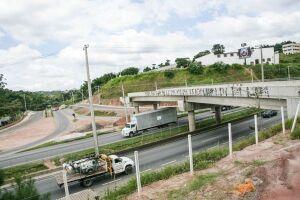 Segundo a concessionária Autopista Régis, o acesso no km 288,  liga a rodovia a Estrada Potuverá, na altura da casa de shows; no mês de maio as obras estavam em fase final