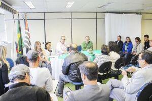 Reunião entre Núcleo de Avaliação Estratégica (NAE), secretário de Saúde e representantes da população debateu problemas do Hospital Municipal