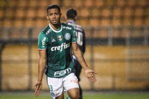 Gabriel Jesus fez o primeiro gol do jogo