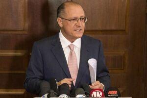 Alckmin diz que proposta para antecipar eleições é inconstitucional