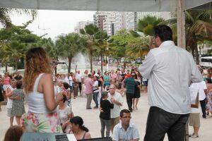 Palco do Baile na Praia passa por manutenção
