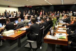 Maioria dos titulares do Conselho de Ética defende cassação de Cunha