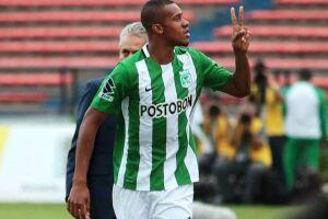 O jogador de 28 anos abriu mão do duelo contra o São Paulo, pelas semifinais da Libertadores, para fechar com o Peixe