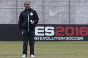 O técnico Cristóvão Borges comanda seu primeiro treino do Corinthians, nesta segunda-feira (20), no CT Dr. Joaquim Grava na zona leste de São Paulo