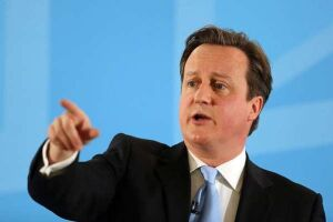 David Cameron, declarou nessa sexta-feira (17) ao jornal The Times que pretende continuar no cargo