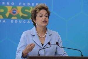 A presidente afastada Dilma Rousseff teria conversado pessoalmente com o empreiteiro Marcelo Odebrecht