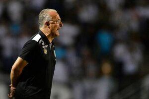 Dorival foi o principal alvo de críticas na derrota do Santos para o Corinthians