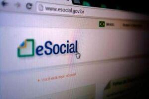 Empregadores domésticos têm até amanhã para pagar eSocial de maio
