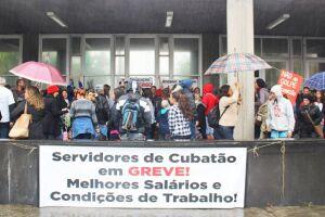 Professores cruzaram os braços desde a semana passada; após decisão judicial, 90% da categoria voltou ao trabalho, mas greve continua para 10% dos servidores