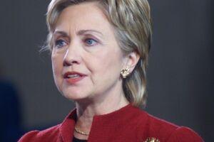 Trump será retrocesso, diz Hillary em 1º discurso após apoio de Obama