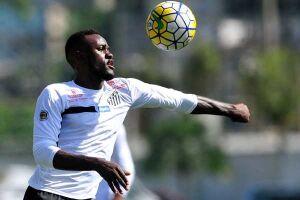 O camaronês vinha sendo alvo da torcida, mas voltou a fazer uma boa atuação e marcou o segundo gol do Peixe na partida