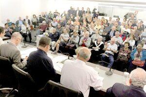 Audiência pública que tratou do reajuste das taxas de ocupação dos terrenos da União em áreas de marinha lotou o auditório Zeny de Sá Goulart