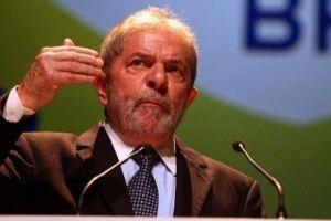 Lula reforça defesa com advogado que atua para Mantega e Palocci