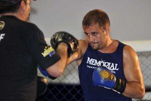Fabio Maldonado (o Caipira de Aço) da Memorial chegou bem perto de nocautear Fedor Emelianenko