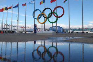 Mar invade duas obras olímpicas em Copacabana
