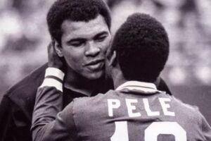 Pelé também publicou uma mensagem com as suas condolências ao ex-pugilista