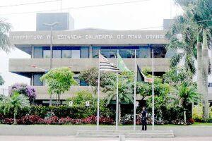Três contratos firmados pela Prefeitura de Praia Grande estão na mira do Tribunal de Contas do Estado de São Paulo; orgão também aponta irregularidades em licitações das Prefeituras de Bertioga e de São Vicente